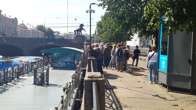 Экскурсии на речных трамвайчиках от Аничкова моста